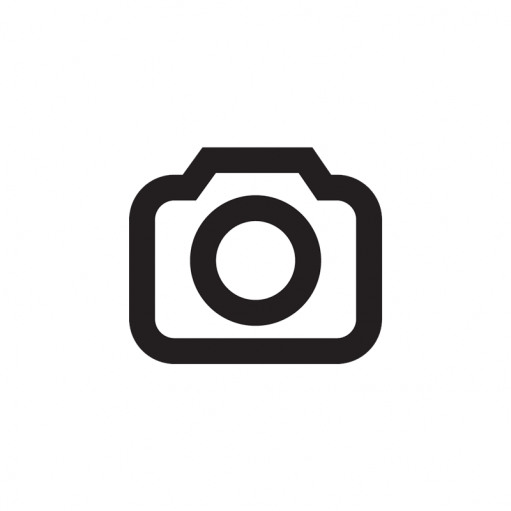Fotos oder Bilder auf Holz zu übertragen ist super einfach und innerhalb kürzester Zeit fertig. Ein tolles DIY-Projekt auch für Nicht-Bastler. Mit Hilfe von Holz, Mod-Podge und  dem Foto als Laserdruck habt ihr im Nu ein tolles handgemachtes Geschenk. //